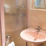 Ein Badezimmer des Hotels