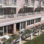 Balkone und Treppenhaus von aussen